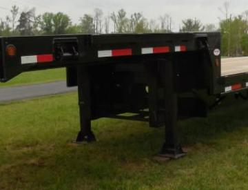 Moore Truck and Equipment Inventory:  Viking Trailers 3 Axle 48' Oilfield Step Deck