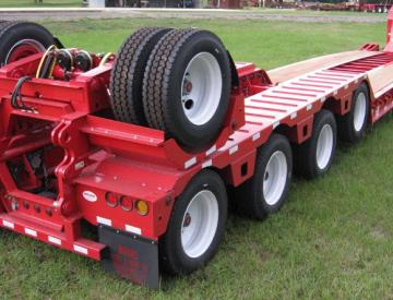 Moore Truck and Equipment Inventory:  KalynSiebert 65 Ton 4+1 Hydraulic Detach Neck Crane Hauling Lowboy
